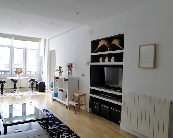 Bright and cosy apartment in the town center. - Ondarroa - Lägenhet