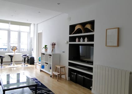 Bright and cosy apartment in the town center. - Ondarroa