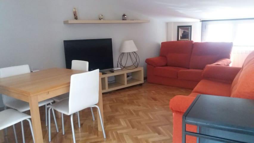 Apartamento funcional, amplio, céntrico y acogedor