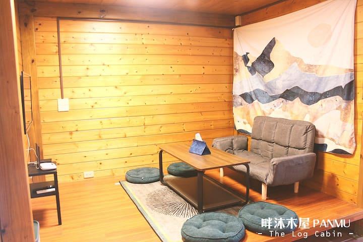 包棟獨棟小木屋(6人)-烤肉、客廳、聚會、早餐、三間雙人房