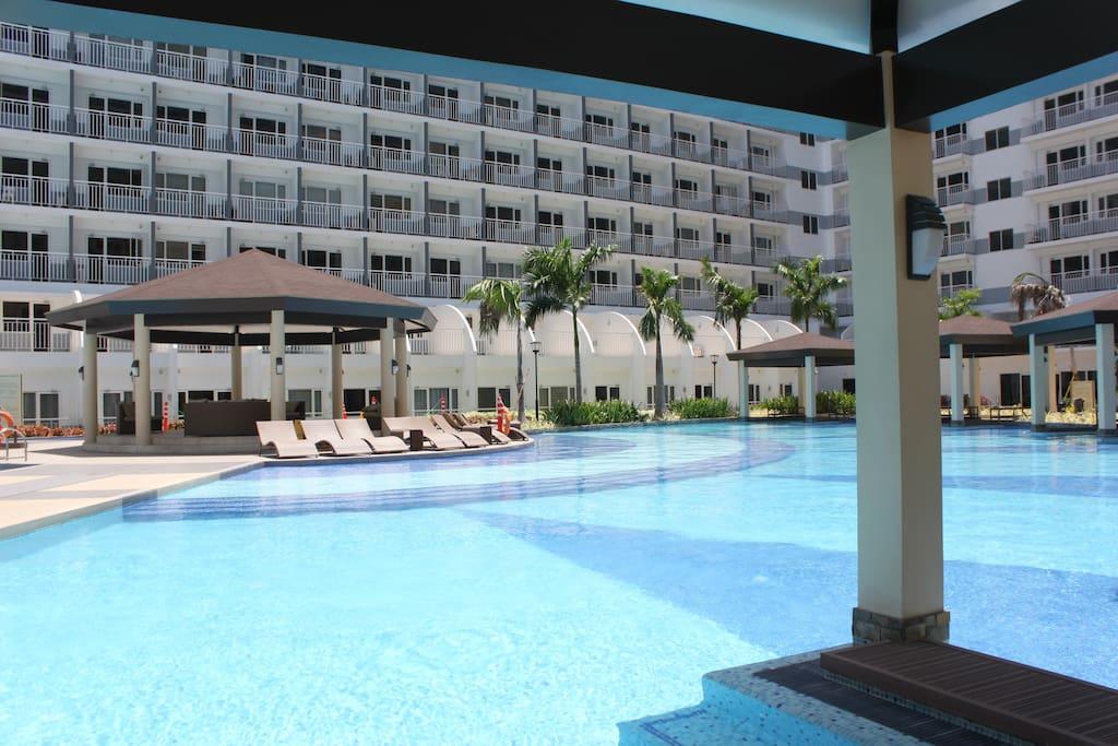 Furnished condo hotel near mall of asia in pasay Hotel near mall of asia with swimming pool