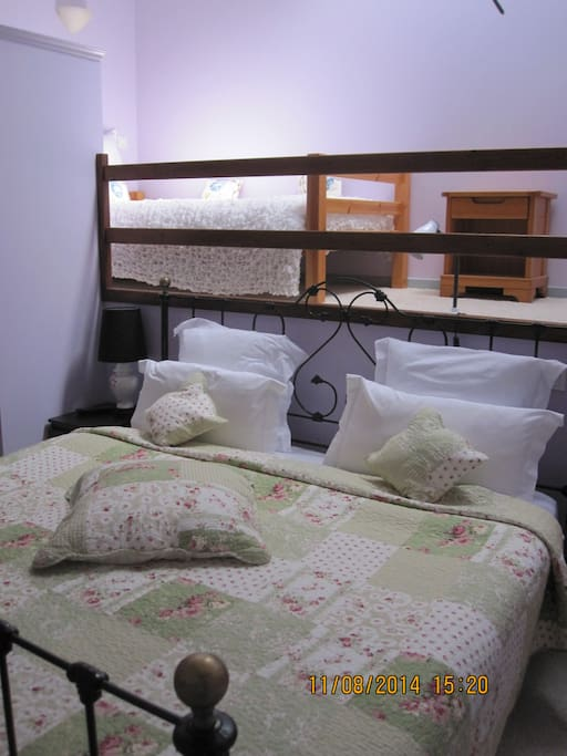 Murion double & 1 child's bed