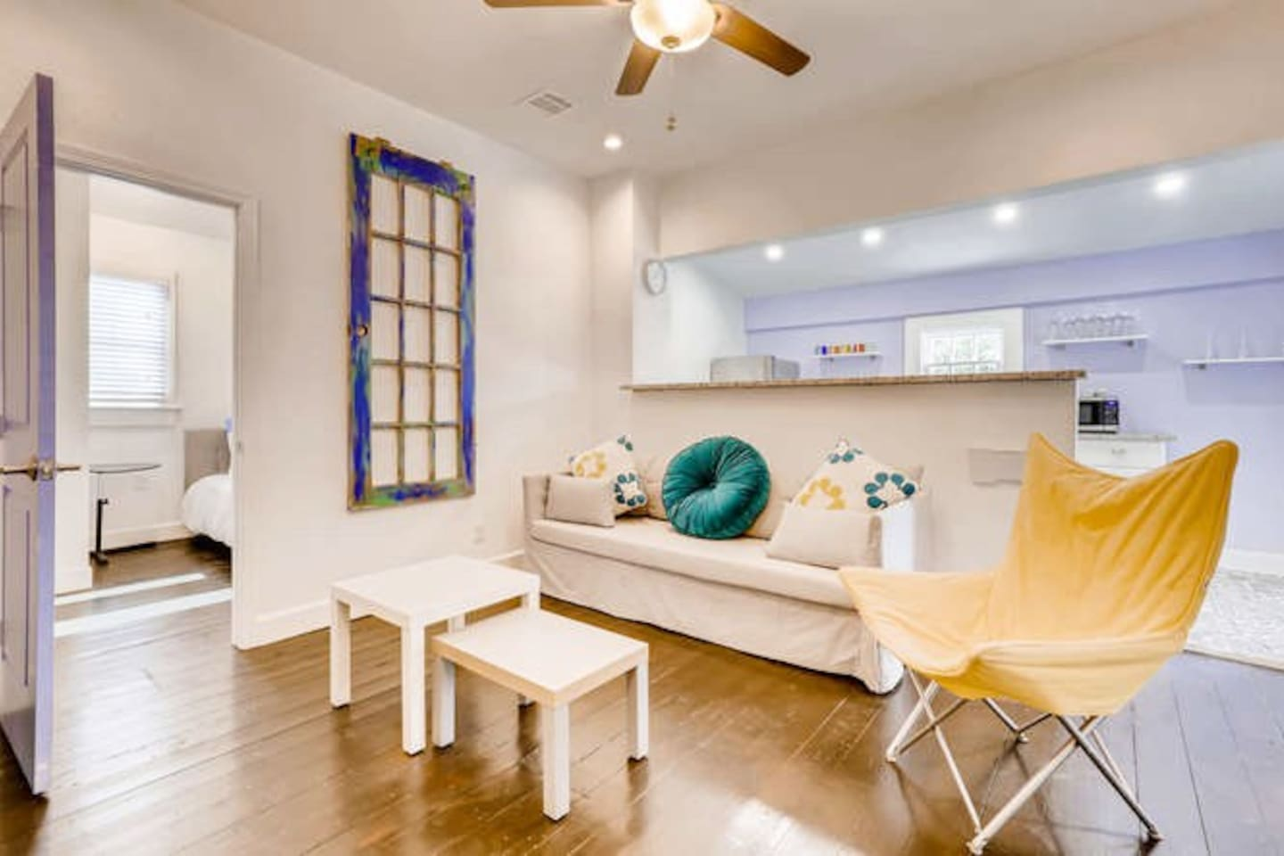 Spacious and modern space to relax while you enjoy your visit in San Antonio!!!