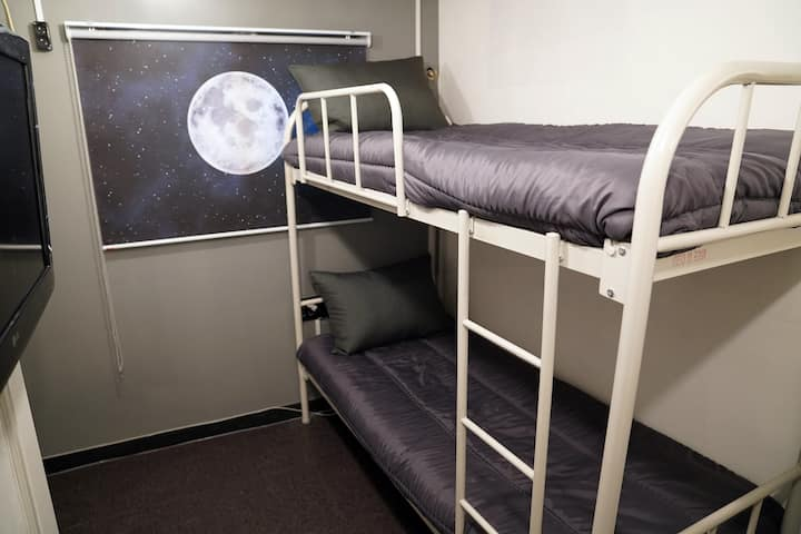 [PROMOTION] Modern Style Bunk Twin Private Room