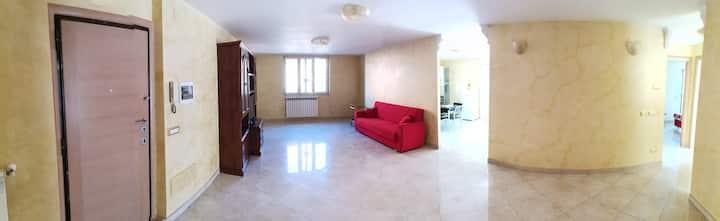 120 mq di appartamento privato, 50 mq di terrazzo