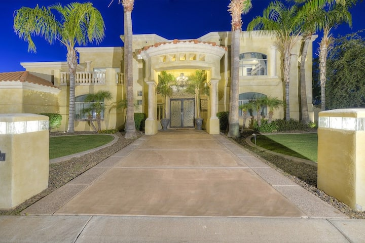 STUNNING 8 Bedrm Mansion! Heated Pool/Spa, Theater