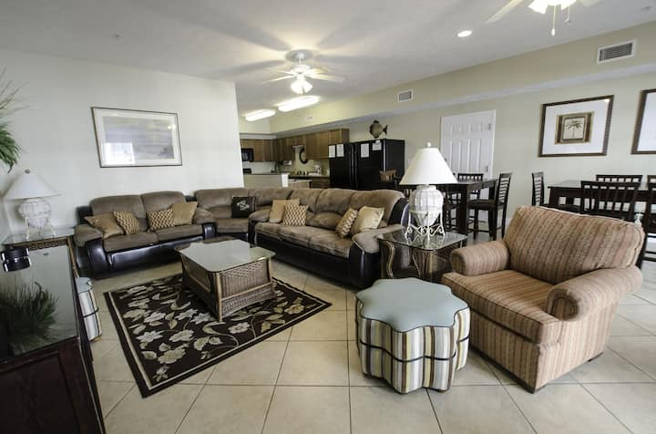 Myrtle Beach Villas 104B - 100% refund up to 48 hrs prior to arrival