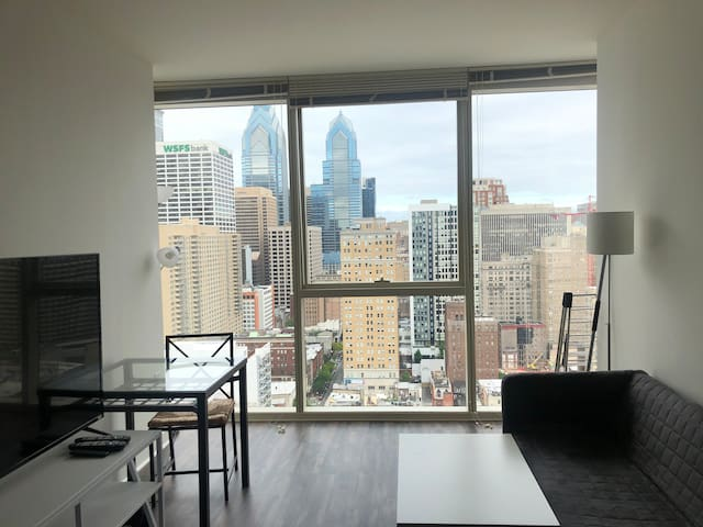 High-rise 1 Bd Apt, Furnished, TV/Utilities inc.