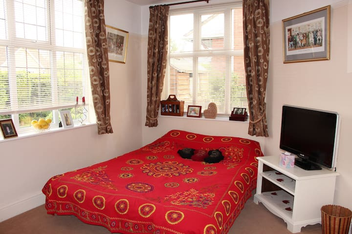 Double Room with TV in Malvern