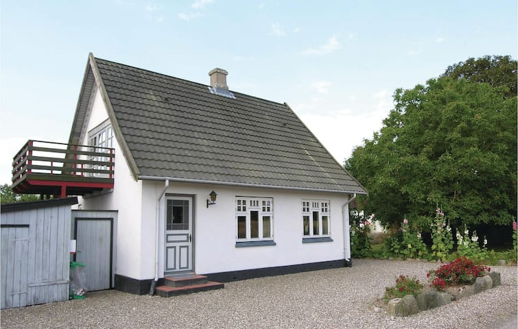 Holiday cottage with 2 bedrooms on 105m² in Rudkøbing