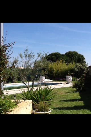 Maison 10mn d' Avignon avec piscine - Rochefort-du-Gard - Hus
