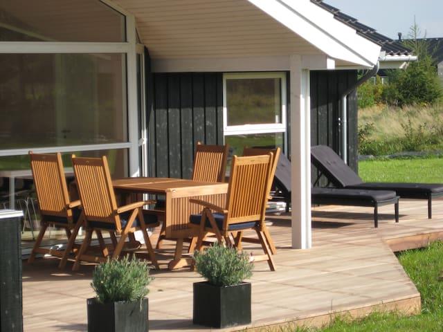 Lækkert sommerhus i Fjellerup 100m2 - Glesborg - Hus
