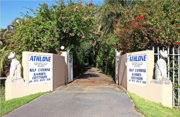 Athlone Guest Cottages in Gonubie, East London