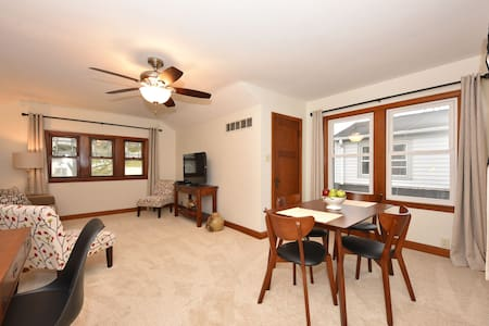 Sunny upper flat in Wauwatosa