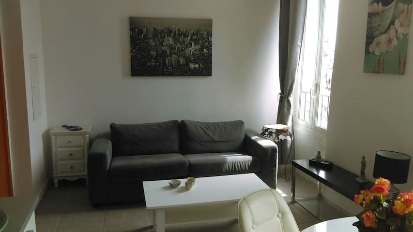 Apartment fully equiped - sea & port front - Golfe - Vallauris - Flat