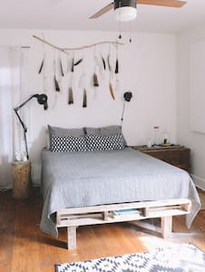 The Rooke's Nest - Simple and Creative - Pittsburgh - Maison