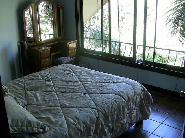 Sunset Room Queen Bed