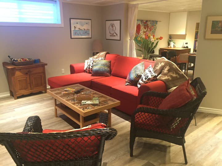 Large Guest Suite  Near Trendy Westboro Area.