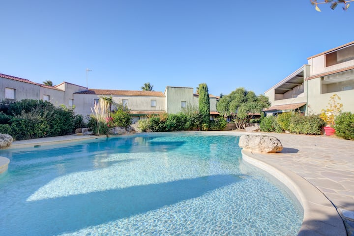 House with one bedroom in Valras-Plage, with shared pool and furnished terrace