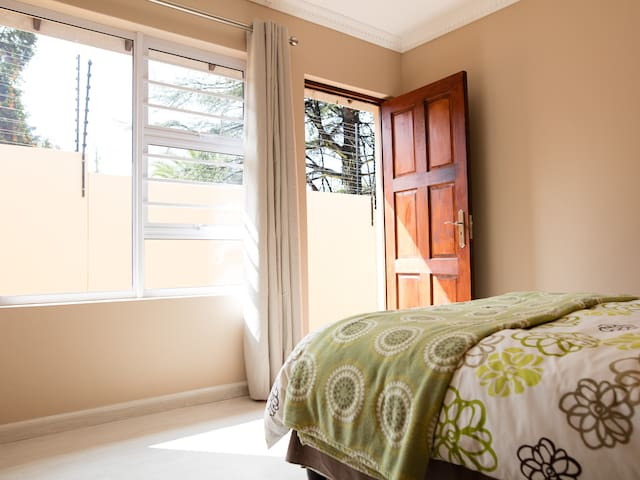 1Bed 1Bath Cozy Private Room. - Sandton - Daire