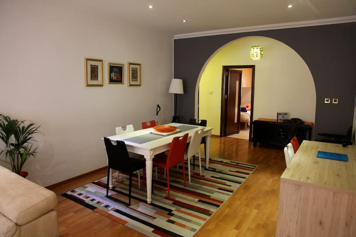 GORGEOUS Apartment in the Heart of Balluta Bay 5*