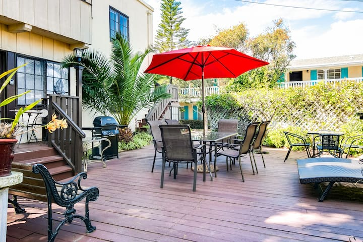 Enjoy access to a shared patio, which features alfresco dining and a grill.