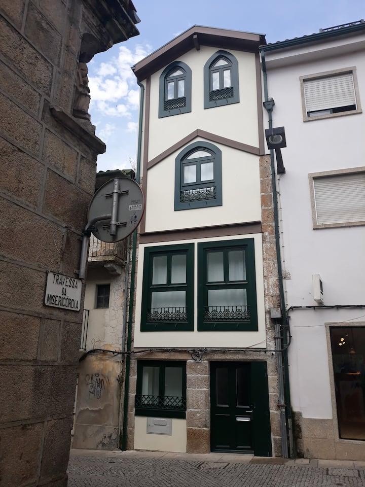 O PALACETE - suites e quartos na baixa P1 (Corgo)