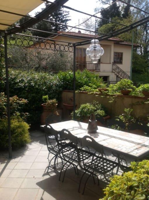 Casa con giardino colline firenze case in affitto a pratolino firenze italia - Casa con giardino milano ...