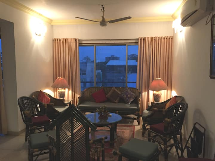 Overseas Avenue apartment