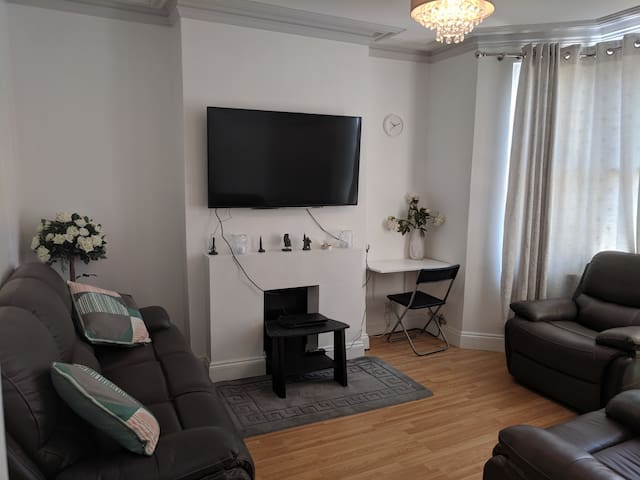 Fully equipped London 1 bed Flat in Croydon