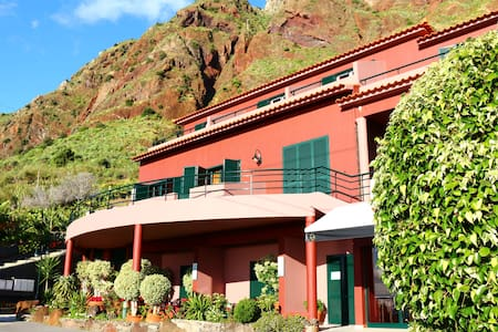 Villa Amore  - Apartment B - Paúl do Mar