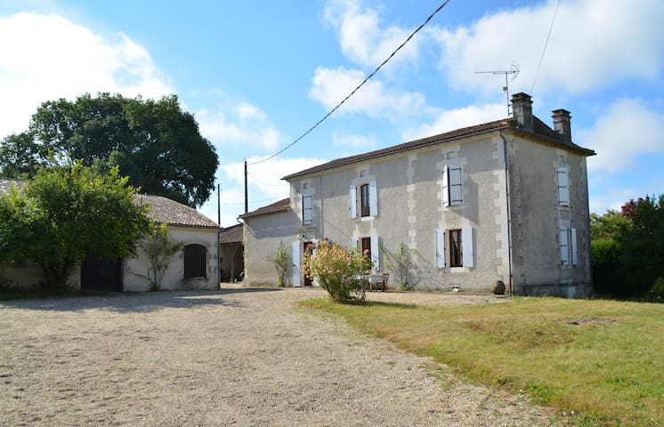 Beautiful Country House with private pool - Bors - Casa