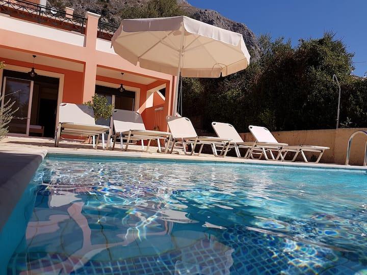 Emerald Bay - Prestige Villas of Corfu