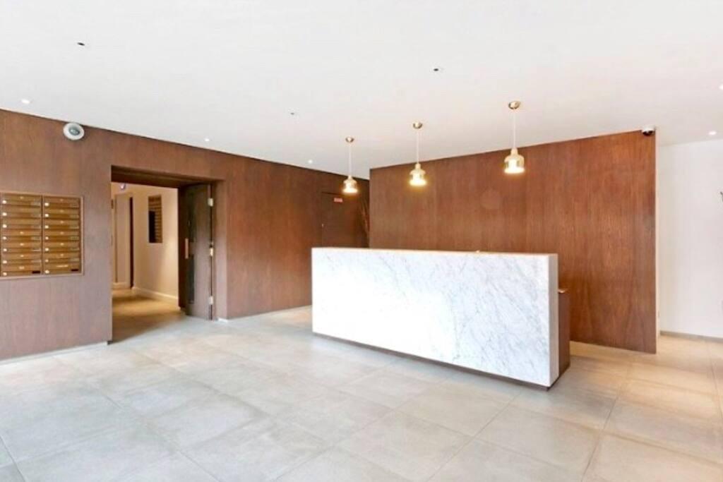 Reception/Concierge