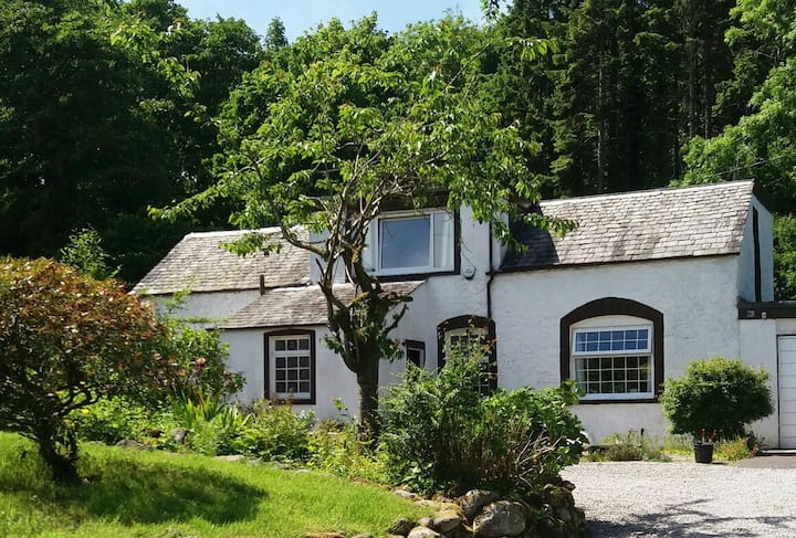 Private twin/double/triple room in converted barn.
