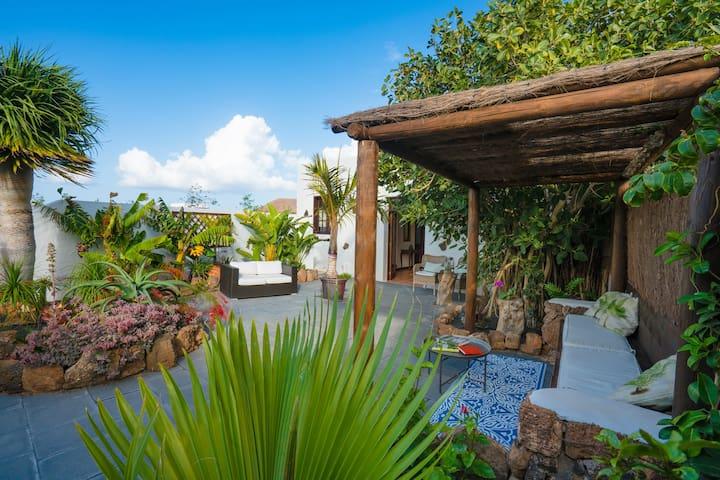 Finca Botanico - Garden Apartment - Guatiza