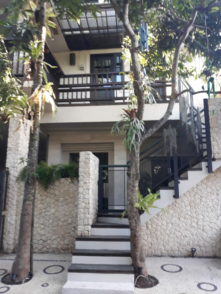 Gading Loft Bali - Unique rare find upstairs Loft!