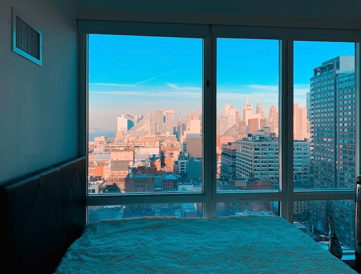 Clean new luxury doorman highrise in Midtown West