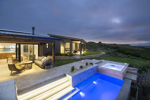 Nature &Luxury; pool,hot tub,fires,views,sun,space