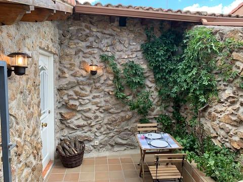 La Casita del Lobo, house in the mountains.