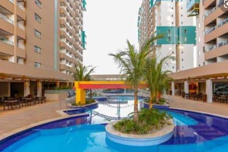 Olimpia Park Resort flat para até 5 pessoas.