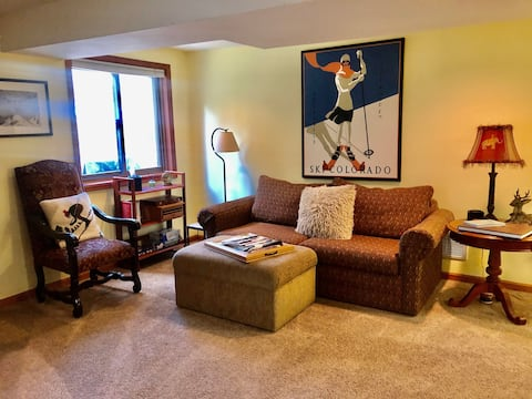 Cozy mountain, 1 bed , 5 minutes to Beaver Creek