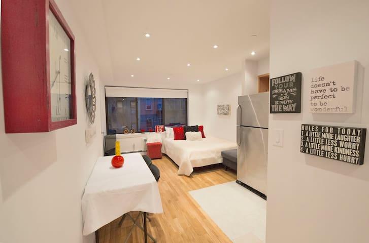 UES area ,Luxury modern quiet private Apt