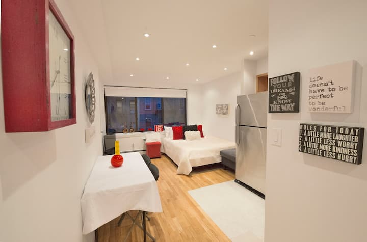 UES area ,Luxury modern quiet private Apt