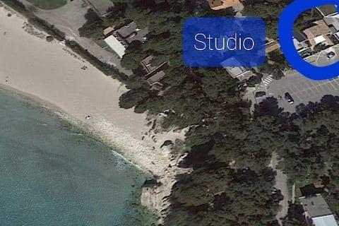 Studio situé sur la + belle plage de la côte bleue