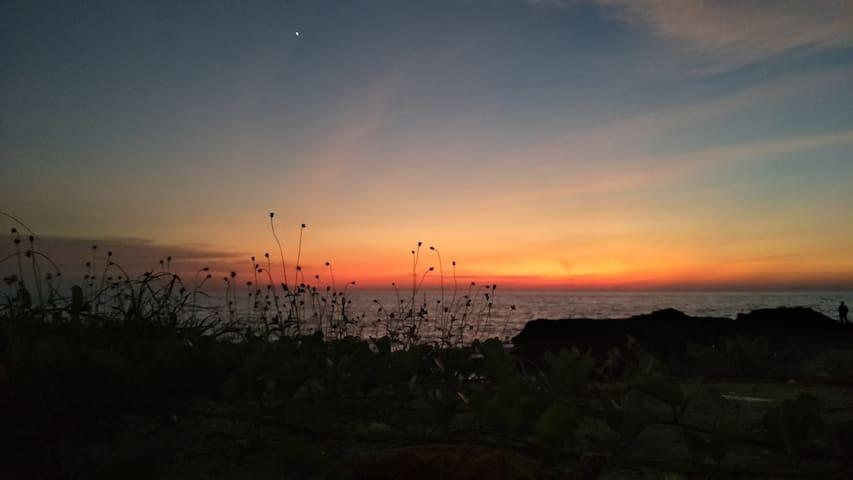 海边夕阳度假屋