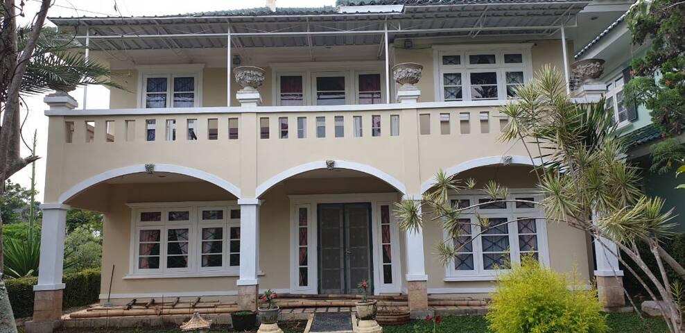 Villa di Puncak Resort
