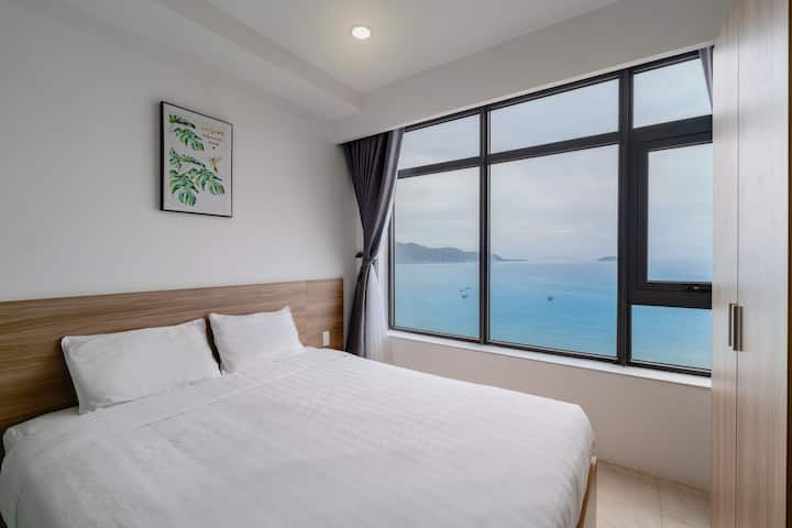 Apt Facing the sea -3 Bedrooms- Full natural light