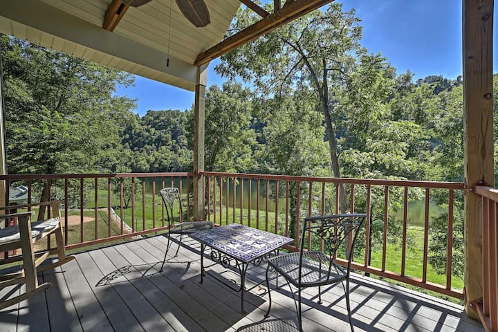 NEW! 2BR Flippin Cabin - A Fisher's Paradise!