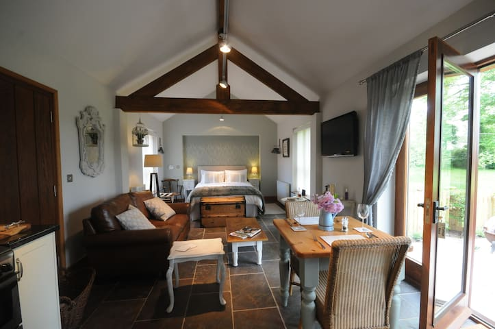 Beautiful Inspirational Luxury Country  Break - Fiskerton - Alpstuga